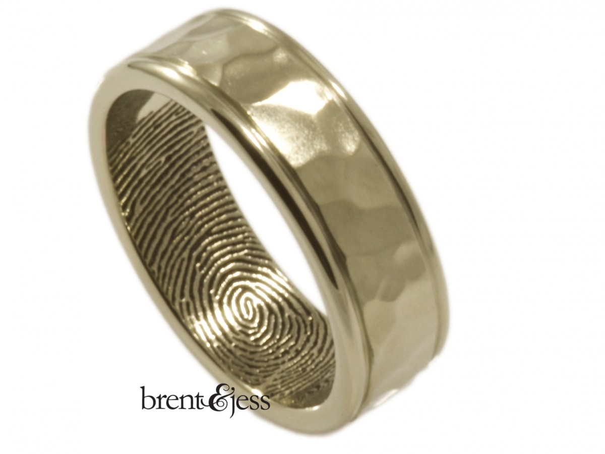 Brent&Jess Hammered Band with Hand-Carved Rims in 14k white