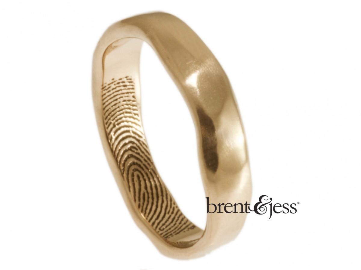 Narrow organic Edge Fingerprint Ring by Brent&Jess in 14k rose gold
