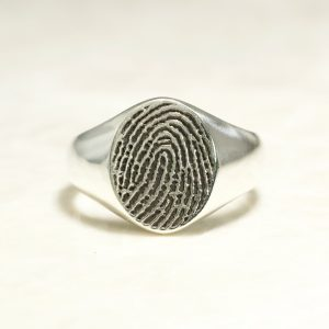 Classic fingerprint signet ring